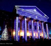 Projection de Noël cartographiée sur le théâtre de Côme - Magic Light Festival 2013