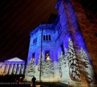 Projection du bois enchanté sur la cathédrale de Côme et sur le théâtre