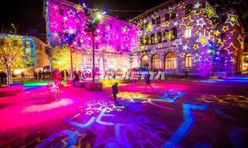 Projections sur le thème de Noël avec des textures d'étoiles - Como Magic Light Festival