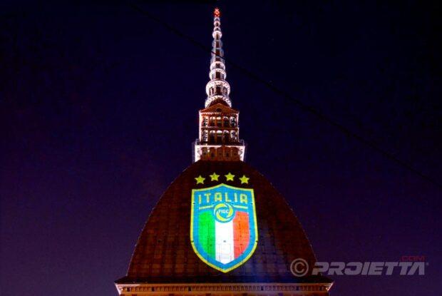 Proiezioni sulla mole di Torino