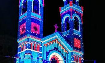 Grandi proiezioni mappate su cattedrali